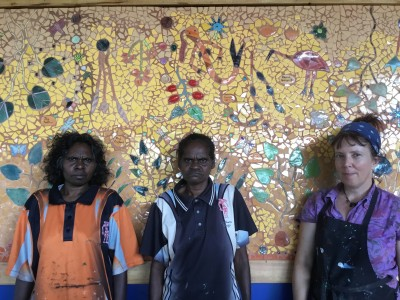 Maningrida Project with JanieAndrews, Deborah Wurrkidj and Jennifer Wurrkidj